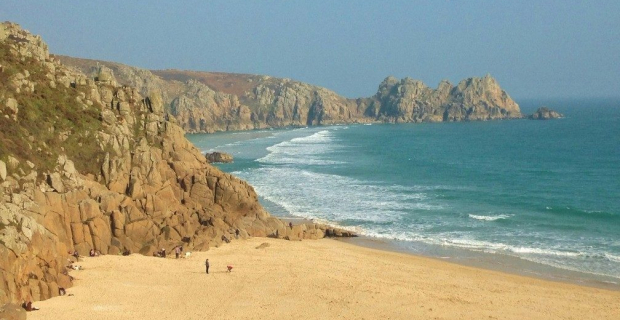 Porthcurno beach and Logan Rock (5) (1024×577)